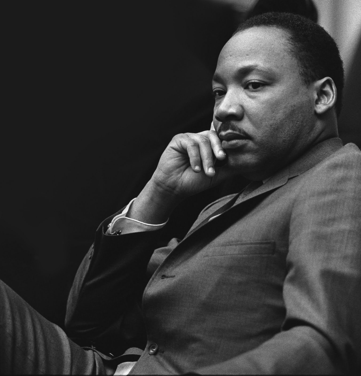 an analysis of the speech of dr martin luther king Dr martin luther king jr delivered what is commonly known as the i have a dream speech on aug 28, 1963, at the lincoln memorial in washington, dc the speech, which was partly improvised by.